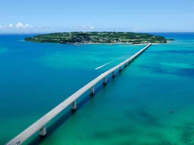 糸映画ロケ地沖縄のきれいな海はどこ?フクギ並木通りも紹介!
