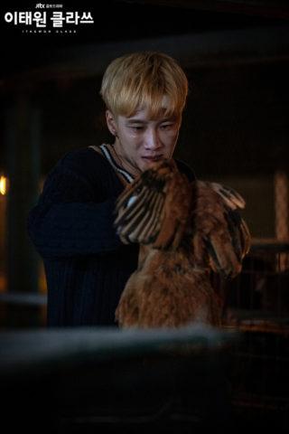 イテオンクラス韓国ドラマ二話ネタバレ!息子に鶏の絞め方を教えるシーンがヤバイ!